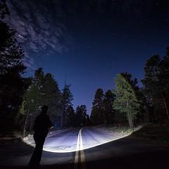 Anglų lietuvių žodynas. Žodis flash-light reiškia n 1) amer. kišeninis žibintuvėlis; 2) šviesos signalas; 3) foto žybsnis lietuviškai.