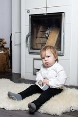 Do something? (jannaheli) Tags: suomi finland joutseno nikond7200 lapsivalokuvaus childphotography lapsi child poika boy valokuvaus photoshooting photography photographing valaisu strobist homestudio