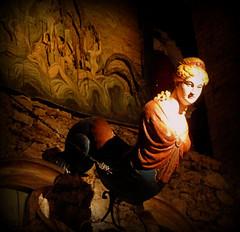 Femme chimère (Raymonde Contensous) Tags: statuebois décors paris pavillonsdebercy muséedesartsforains théâtredumerveilleux