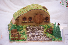 little shire (raspberrytart) Tags: festivaloftrees christmas gingerbread gingerbreadhouse gingerbreadcookie cookie candy decorating nikon d7100