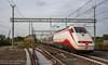 Un treno controverso (HD Trainspotting) Tags: pd partitodemocratico e414 137 125 torricola ic intercity