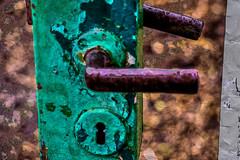 17-12-25 schloss tür grün alt bok dsc09056-1 (u ki11 ulrich kracke) Tags: bokeh c5 griff minaret nah stillleben struktur türschlossalt