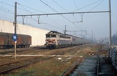 "CC 40103 ""Brioude"" + EC 82 ""Etoile du Nord"", Lembeek, 25th January 1992 (cfl1969) Tags: lembeek cc40103brioude cc40100 sncf"