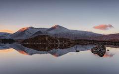 Lochan na h-Achlaise (raymond_carruthers) Tags: lochannahachlaise scotland winter argyllbute reflections lochs rannochmoor blackmount sunsetcolours mountains sunset