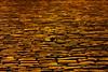 Goldenes Pflaster / Street of Gold (Weihnachtsmarkt Coburg / Christmas Market Coburg) (Marian Si) Tags: coburg marktplatz oberfranken bayern bavaria marketsquare christmasmarket wetroad gold minoltamd manualfocus sonynex5t