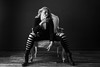 (Dani_Rocker) Tags: retratofemenino mujer silla estudio iluminación blancoynegro blackwhite rubia blonde