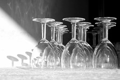 celebration (Wackelaugen) Tags: celebration wedding wineglass repetition canon eos photo photography wackelaugen black white bw blackwhite blackandwhite mono noiretblanc schwarz weis schwarzweis