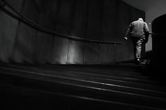 Edificio GAM, Santiago de Chile (Mario Rivera Cayupi) Tags: hombre escalera bw blanconegro ciudad city gente people stairway stairs lines santiagodechile