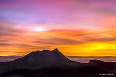 Amanece... (Jabi Artaraz) Tags: jabiartaraz jartaraz anboto cielo color calidez verano amanecer sunset