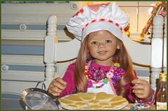 Anne-Moni ... meine Plätzchen müssen noch verziert werden ... (Kindergartenkinder) Tags: kindergartenkinder annette himstedt dolls annemoni weihnachten advent backen plätzchen