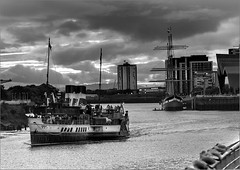 3008_Waverly Coming Home_4972 (ronniefleming@btinternet.com) Tags: ronnieflemingdrumpellierml51ry paddlesteamer thewaverly glasgow riverclyde cominghome thetransportmuseum glenlee tallship bw blackandwhite canon ph31fy