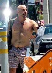 IMG_0562 (danimaniacs) Tags: sexy hot man guy mansolo bald shorts
