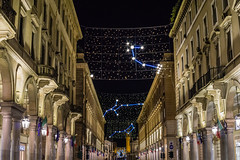 Via Roma, Luci d'Artista (andbog) Tags: piemonte piedmont torino turin to it sony alpha ilce a6000 sonya6000 emount mirrorless csc sonya manual vintagelens classiclenses mf manualfocus sonyα sonyalpha italy italia manualfocusing sony⍺6000 sonyilce6000 sonyalpha6000 ⍺6000 ilce6000 minoltamdzoom3570mmf35 minoltamd 3570mm f35 minoltalens apsc architettura architecture lights night notte handheld palazzi buildings xmaslights christmaslights city cityscape città luci viaroma baroque barocco archi arches portici via constellation neon lucid'artista