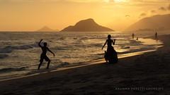 (Brunna PL) Tags: challengeyouwinner brunnaperettiloureirocanonbeach silhouette goldenhour brunnaperettiloureirosunsetcanon