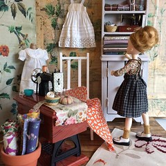 As you know,the moshi studio has an army of helpful elves #diorama #liccadoll #sewingroom #miniatureworld (little_moshi) Tags: instagram ifttt