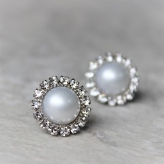 White pearl earrings! https://t.co/GTiZk8JfZV #etsy #wedding #shop #jewelry #bride #silver https://t.co/sa9bgBL8cl (petalperceptions.etsy.com) Tags: etsy gift shop fashion jewelry cute