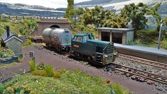 Drop Off at Dogley. (ManOfYorkshire) Tags: wagon tank esso bachmann hornby diesel shunter sentinel 040 ironduke named tripworking dogley siding micro model scale railway layout 176 oogauge