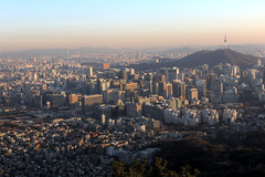 View of the city from Inwangsan in Seoul, Korea (mbphillips) Tags: korea 한국 韓國 韩国 southkorea 대한민국 republicofkorea 大韓民國 서울 首尔 inwangsan 인왕산 仁王山 jongnogu 종로구 鐘路區 namsan 남산 南山 cityscape paisajeurbano 城市景观 城市景觀 도시 city ciudad 都市 城市 skyscraper 마천루 rascacielos 摩天大楼 摩天大樓 skyline 지평선 天際線 天际线 horizon mbphillips goetagged photojournalism photojournalist canon80d sigma1835mmf18dchsm 도시풍경 seoul capital 首都 수도