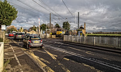 Foxton Level Crossng (Peter Leigh50) Tags: foxton cambridgeshire railway station level crossing class 56 grid road car