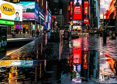 my favorite shot of 2017 (lucafabbricesena) Tags: mahnattan newyork timessquare rain reflection light morning sign water colours red
