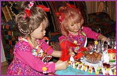 Silvesterparty ... mit Milina und Sanrike ... (Kindergartenkinder) Tags: silvester kindergartenkinder annette himstedt dolls milina sanrike