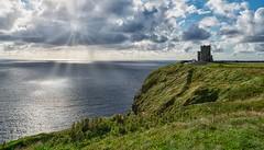 Moher (bervaz) Tags: sony a7rm2 agua 2470mm ilce7r2 irlanda ireland airelibre paisaje mar sea verde green nubes clouds islaesmeralda