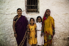 BADAMI : PORTRAIT DE RUE (pierre.arnoldi) Tags: inde india pierrearnoldi karnataka badami photographequébécois portraitdefemme portraitsderue photoderue photooriginale photocouleur on1raw2018 canon6d tamron