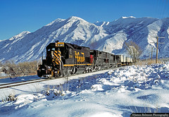 A Crystal Clear Morning on Christmas Eve (jamesbelmont) Tags: mapletonbench springville utah mapleton riogrande drgw sd40t2 piggyback wasatchmountains railroad railway train
