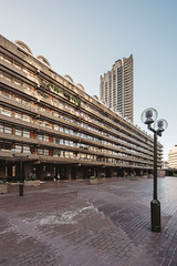 Barbican #VIII (Alexander Rentsch) Tags: sonya7ii canontse17mmf4l greatbritain england london cityoflondon barbican architecture architektur urban city utopia scifi modernism future retro vintage colors colours farben geometry vscofilm