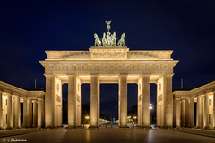 Brandenburger Tor in Berlin (Germany) (bachmann_chr) Tags: berlin brandenburger tor deutschland landschaft landscape germany sightseeing nikon nikkor d750 vollformat full frame blaue stunde blue hour
