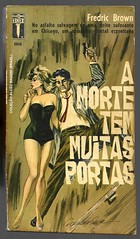 "1965 - A Morte Tem Muitas Portas / Death Has Many Doors - Fredic Brown - cover by Ronaldo Graça (""The Brazilian 8 Track Museum"") Tags: alceu massini vintage collection sexy art cover pulp fiction noir novel lingerie"