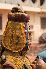 An Egoungoun (egungun) in Ouidah (10b travelling / Carsten ten Brink) Tags: 10btravelling 2017 africa african afrika afrique benin beninois bénin carstentenbrink dahomey egoungoun egun gulfofguinea iptcbasic ouidah places republicofbenin républiquedubénin westafrica yoruba ancestorworship béninois costume costumedfigure egungun festival fete feteduvaudou feteduvodoun fetish figure fête fêteduvaudou fêteduvodoun tenbrink vaudou vodou vodoun voodoo