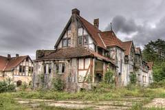 in days of old (Foto_Fix_Automat) Tags: heilstätte sanatorium lostplaces urbanexploring urbex outdoor abandoned verlassen vergessen marode