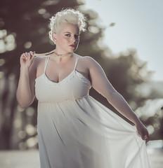 Girls Love Pearls (iUday) Tags: model girl curvy pearls