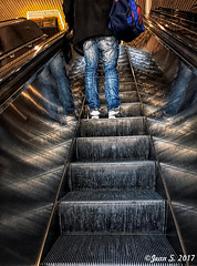 Le sac de sport (Jean S..) Tags: escalator man male bluejeans jeans stairs blue indoors candid bag
