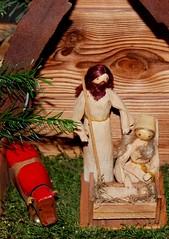 Ein Kind, dem keines jemals glich (amras_de) Tags: weihnachtskrippe nativityscene jaslice pessebre jeslicky julekrybbe kripo belén jouluseimi crèchedenoël presepe praesepe krëppchen prakartele kerststal betlèm szopkabozonarodzeniowa presépio prisepiu betlehem julkrubba weihnachten weihnacht božic jul kersfees nadal vánoce christmas kristnasko navidad jõulud eguberria joulu noël annollaig karácsony jól natale christinatalis chrëschtdag kaledos ziemassvetki kerstmis bozenarodzenie natal craciun natali christenmas vianoce noel