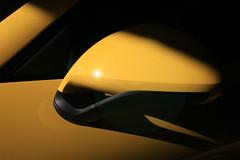 Rétro-visé (Pi-F) Tags: porsche voiture jaune rétroviseur soleil lumière couleur éclat reflet ombre effet géométrie ligne sport