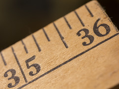 Tail of the yardstick -[ HMM ]- (Carbon Arc) Tags: macromondays stick yardstick threefeet measuring tool implement wooden measure ruler scale increments