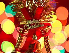 Merry Christmas (Chandana Witharanage) Tags: srilanka macromondays memberschoicebokeh merrychristmas macrophotography macro tabletop light colourfullights bell bokehballs season seasons wish gift love colour red gold xmas celebration challenge theme