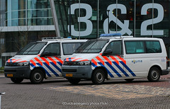 Dutch police Volkswagen T5's (Dutch emergency photos) Tags: politie police polizei polis politi policia amsterdam nederland nederlands nederlandse netherlands dutch volkswagen t5 transporter 5 vista fedsig fed sig federal signal 112 999 911 emergency vehicle car van 13ttx8 77nvz9