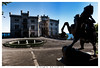 miramare-il-castello (Giorgio Serodine) Tags: miramare ilcastello scultura cavallo piazzale marmo pietra fontana mare golfo trieste citta controluce canon grandangolo siluette giardini