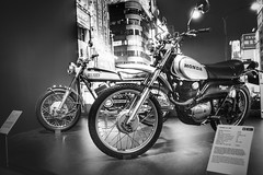 PS Speicher Einbeck (VintageLensLover) Tags: motorrad bikes psspeichereinbeck schwarzweiss monochrome bw museum fujifilm x100f honda yamaha