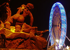 Riesenrad schauen (lebastian) Tags: panasonic dmcgx8 night nacht longexposure langzeitbelichtung farben color dresden statur riesenrad ferris wheel