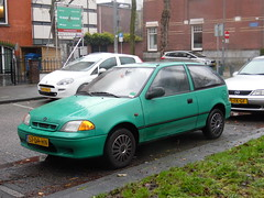 Suzuki Swift 1.0 (10 11 1999) (brizeehenri) Tags: suzuki swift 1999 57drhn rotterdam