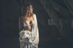 Laure (www.michelconrad.fr) Tags: bleu rouge canon eos6d eos 6d ef24105mmf4lisusm 24105mm 24105 femme modele portrait studio noir lingerie pose robe robelongue grafiti murs ancien batiment fenetre blanc comble grenier