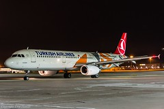 Turkish Airlines TC-JRO HAJ at Night (U. Heinze) Tags: aircraft airlines airways air flugzeug planespotting plane haj hannoverlangenhagenairporthaj eddv nikon night