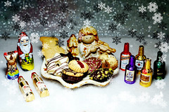 Schlemmereien (ingrid eulenfan) Tags: weihnachten christmas süsigkeiten sweet lebensmittel essen kekse alkohol