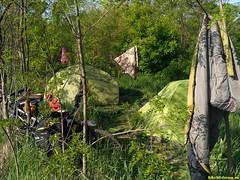 Пробросились по лугам полям и пустым асфальтам не сразу, но нашли место ночевки.