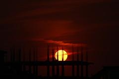 Last Sunset of 2017 (Nayeemhd) Tags: sun sunset lastsunset2017 rooftop eveningsun sky redsky