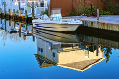 Upside Down (Bob90901) Tags: upsidedown southshore longisland newyork canal reflection boat water autumn morning rpg90901 canon 6d canonef70200mmf28lisiiusm canon70200f28lll 2017 october 0802